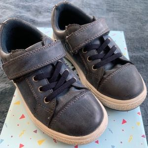 Other - Kids navy leather tennis